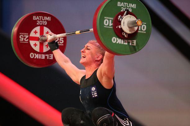 Anni Vuohijoki tempaisi 92 kiloa. Arkistokuva.