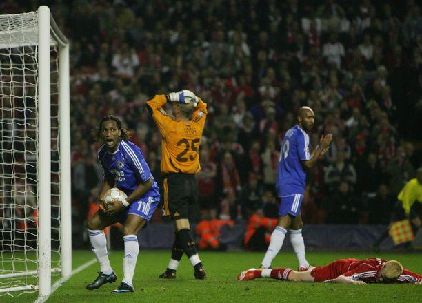 Joh Arne Riise teki järkyttävän oman maalin. Se mursi Liverpoolin ja monen vedonlyöjän sydämen.