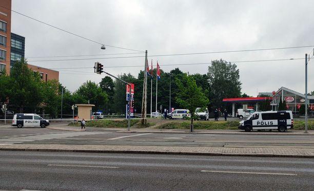 Poliisioperaatio herätti huomiota Helsingin aamussa.