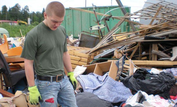Tom Lamminsivu kävi kaatopaikalla etsimässä hävitettyä omaisuuttaan.
