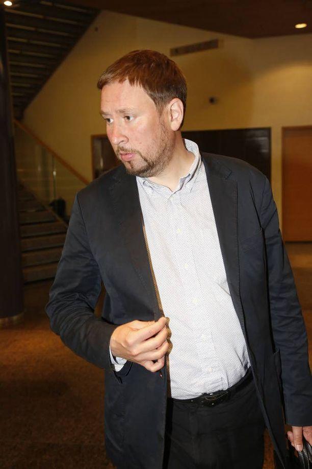 Paavo Arhinmäki ilmoitti jo viime vuoden marraskuussa luopuvansa vasemmistoliiton puheenjohtajuudesta. Arhinmäki ja Soini ovat tottuneita naljailemaan toisilleen.