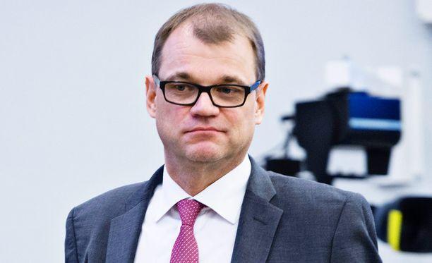 Kansanedustaja Markus Mustajärvi vertaa pääministeri Juha Sipilän sanomisia natsien propagandaministeriin.