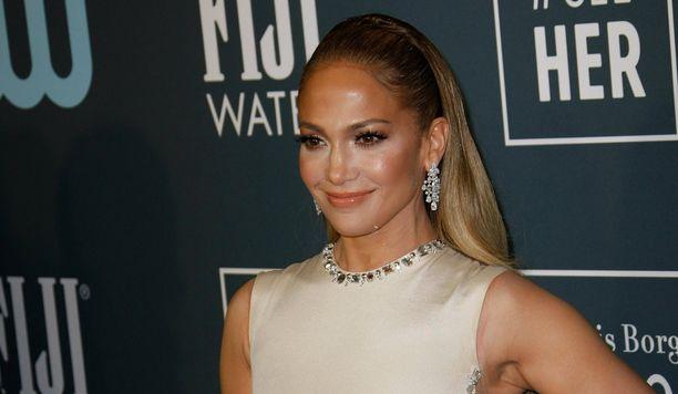 Jennifer Lopezin perhe on kasvanut karvaisella jäsenellä.