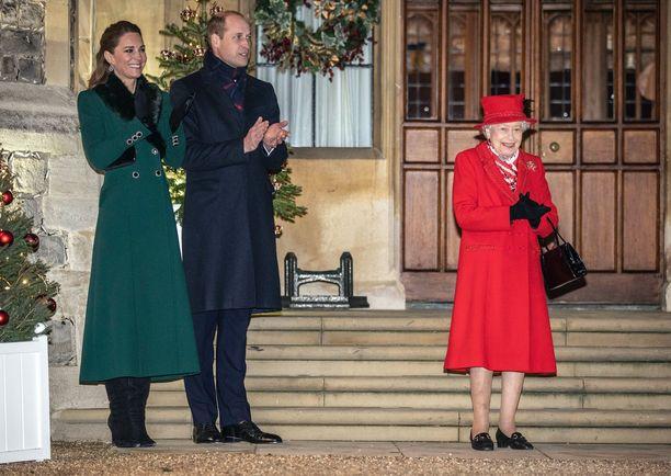 Herttuatar Catherine ja prinssi William saavat entistä enemmän roolia kuningattaren rinnalla.