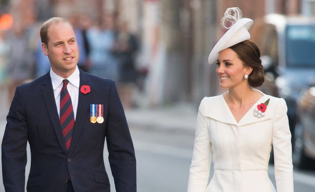 William ja Catherine ovat nyt kolmen lapsen vanhempia.