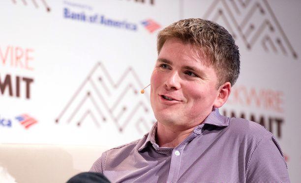 27-vuotias John Collison on hyvä esiintyjä ja suosittu puhuja erilaisissa tilaisuuksissa.