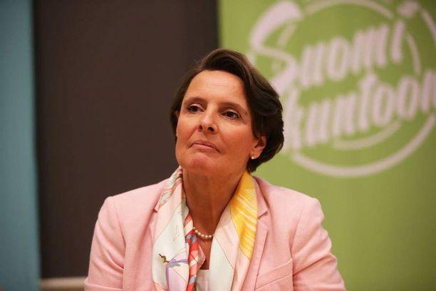 Liikenne- ja viestintäministeri Anne Berner (kok).