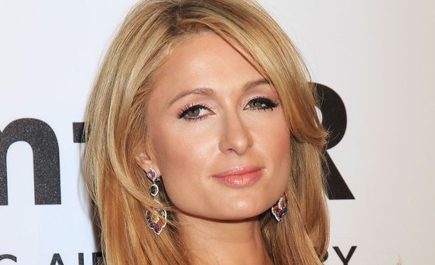 Paris Hilton on pikkutytöstä asti viettänyt aikaa silmäätekevien kanssa.