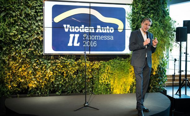 Iltalehden päätoimittaja kustantaja Kari Kivelä piti tilaisuudessa avajaispuheen.