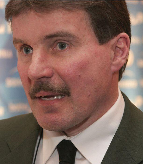 Kari Eloranta sai aiemmin syksyllä lähteä Rapperswilin päävalmentajan pallilta.