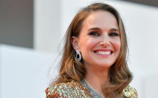 """Natalie Portman tylyttää raskaudesta spekuloinutta lehteä: """"Tehkää paremmin"""""""
