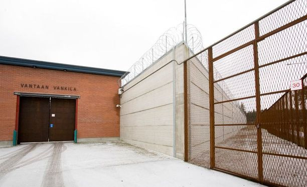 Huumeiden salakuljetus vankiloihin on vähentynyt.
