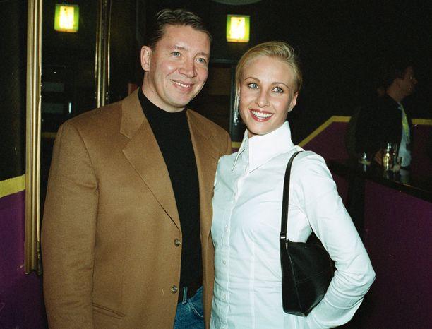 Jari Kurri ja Vanessa Forsman tapasivat helmikuussa 2000 Tahkovuorella. Marraskuussa 2000 he edustivat jo avoimesti yhdessä.