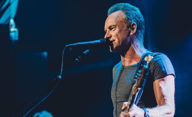 Sting esiintyi Bataclan-klubilla lauantaina.