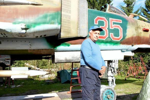 Mikael Oja on kunnostanut MiG-23-hävittäjäänsä jatkuvasti lähes 20 vuotta.