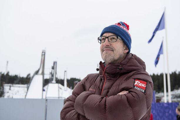 Entinen Italian maajoukkuehiihtäjä Silvano Barco on asunut Suomessa 1990-luvun taitteesta alkaen. Hän työskentelee suksivoiteistaan tutun Rexin palveluksessa. Lahden MM-kisoissa hän toimii myös Iltalehden asiantuntijana.