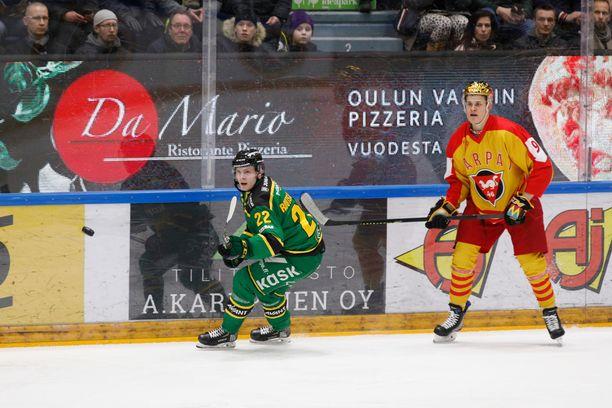 Kärpät esiintyi Ilvestä vastaan erikoispaidoissa.