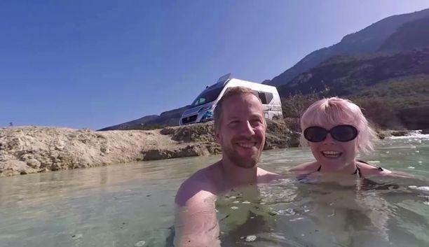 Kreikan Thermopylyksen kuuma lähde oli Saralle ja Jonille upea elämys eikä se maksanut mitään!