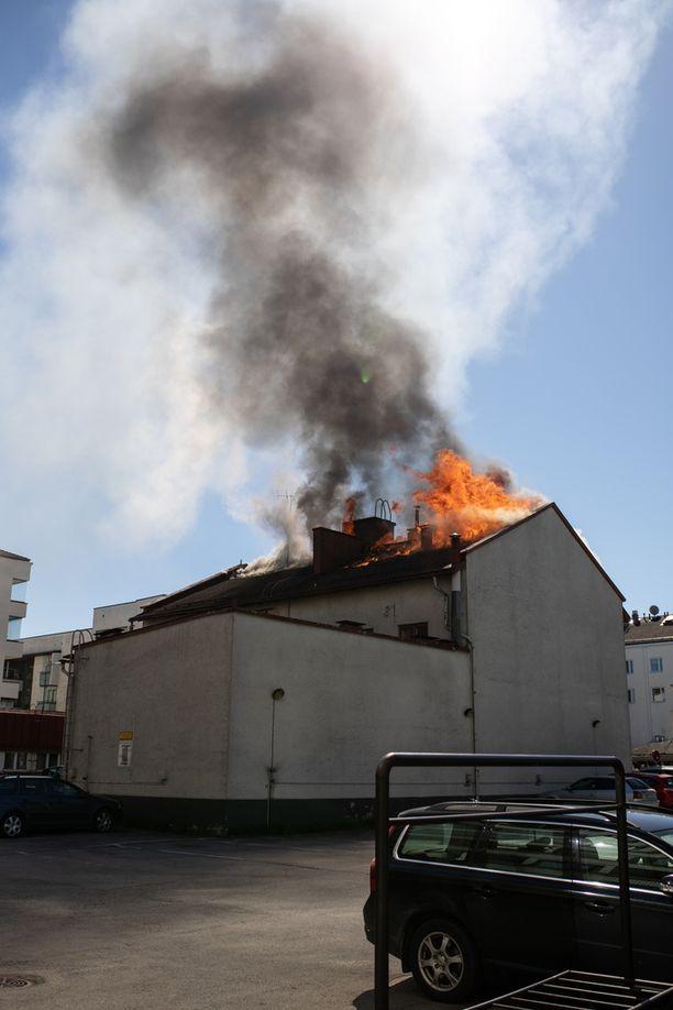 Kajaanin palo näyttää murheelliselta.