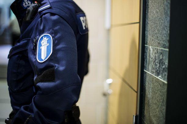 Poliisi tutkii väkivaltarikosta Vantaalla. Uhriksi joutui kymmenvuotias. Kuvituskuva.