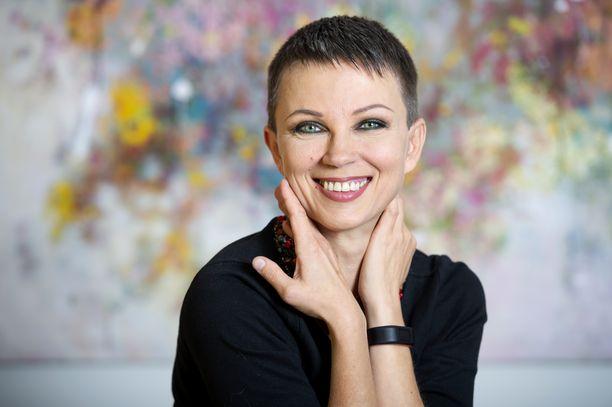 Katariina Souri yllättää lähtemällä eduskuntavaaliehdokkaaksi Vihreiden rivistä.