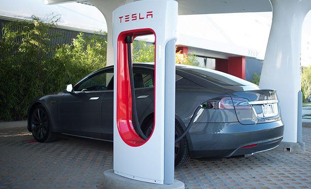 Suomessa Supercharger-pikalatauksen hinnaksi ilmoitetaan 0,20 euroa kilowattitunnilta.