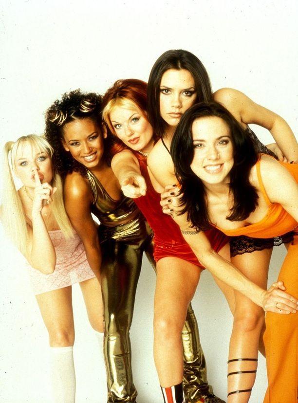 Girl Power! Spice Girls innosti nuoria tyttöjä pukeutumaan esikuviensa tavoin ysärillä - eli juuri miten itse halusi, tarkoitti se sitten nappiverkkareita, pikkumustaa tai lateksista minimekkoa.