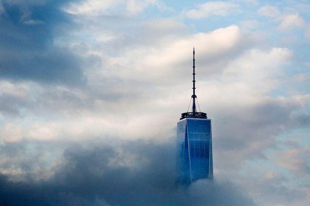 One WTC:n katto sijaitsee 417 metrin korkeudessa.