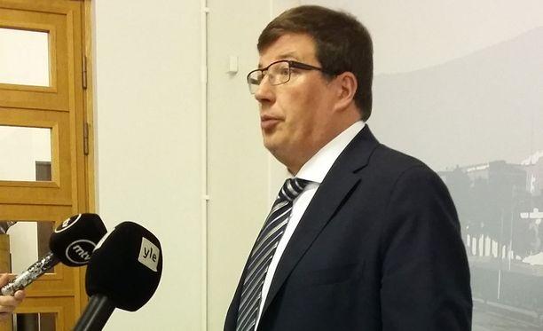 Yle-työryhmää veti kokoomuksen Arto Satonen.
