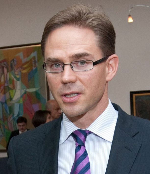 Valtiovarainministeri Jyrki Katainen on esittänyt tavoitteeksi noin sata kuntaa.