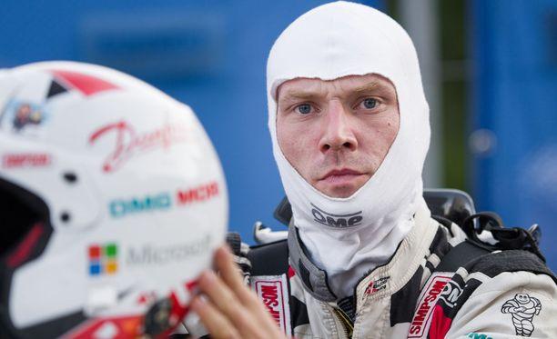 Jari-Matti Latvala nousi Turkin MM-rallissa kolmanneksi, mutta valitteli, että auto ei käänny.