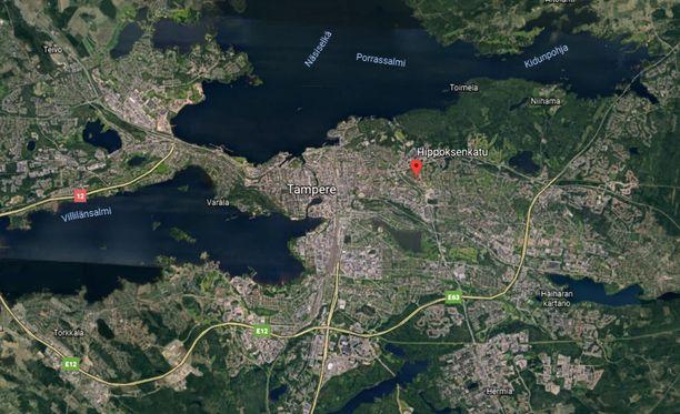 Puukerrostalo syttyi tuleen Tampereella. Rakennus saatiin pelastettua, mutta yksi henkilö menehtyi.