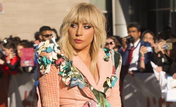 Lady Gagasta on valmistunut syväluotaavan avoin dokumentti.