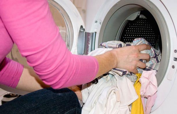 Pesukone kiittää, jos käytät välillä korkeampia pesulämpötiloja.