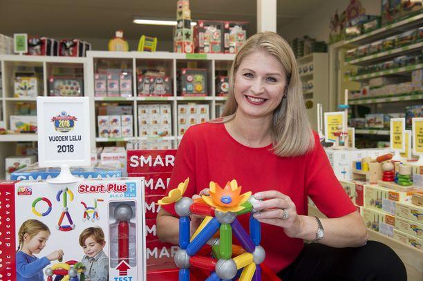 Marika Silván-Väliharju ei nuorempana edes kuvitellut perustavansa omaa firmaa. Nyt hänen lelubisneksensä liikevaihto lähentelee jo 2 miljoonaa euroa.