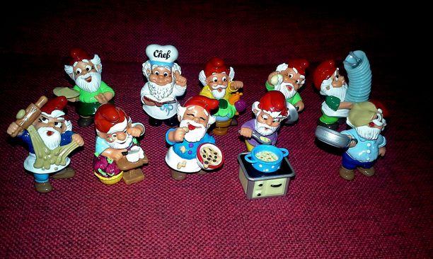 Johanna Mustikkamaa seuraa vapaa-aikanaan erilaisia myyntiryhmiä, joissa kaupataan Kinder-leluja. Keräilyharrastuksen hienous on hänestä se, että siinä pääsee tutustumaan muihin keräilijöihin.