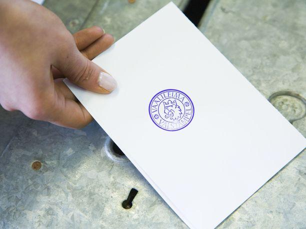 Jos tuoreen kyselytutkimuksen tuloksia on uskominen, suurin osa äänestäjistä jättää äänestämättä tammikuun aluevaaleissa-