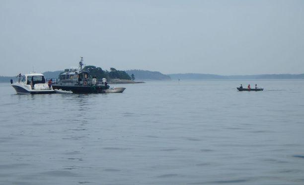 Nauvon turmapaikalta otetuilla videolla ja kuvassa näkyvät onnettomuudessa osallisena olleet veneet.