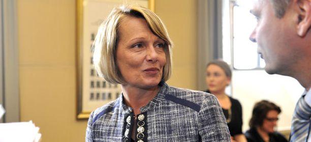 Lenita Toivakka sai nyt varapuheenjohtajan paikan, jonka hän hävisi helmikuussa Marja Tiuralle arvalla.
