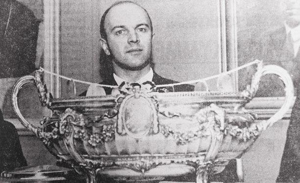 Juhani Lahtinen pelasi upean uran Ilveksessä ja Leijonissa.