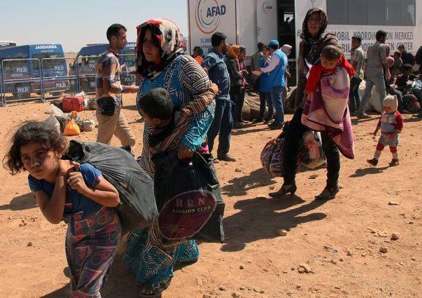 Turkki tutkii kaikki maahan saapuvat pakolaiset ja varmistaa, ettei joukossa ole kurditaistelijoita.