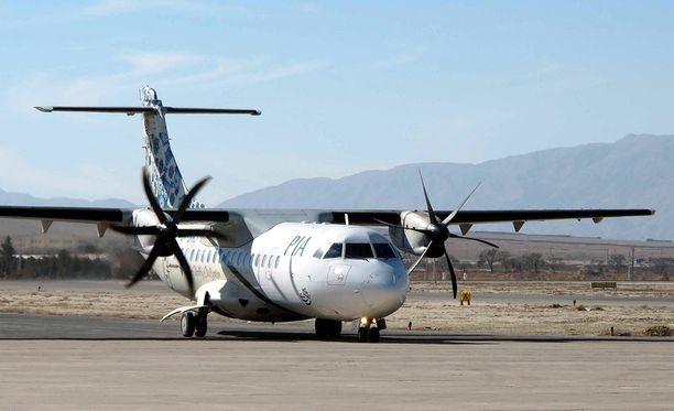 Pakistanin lentoyhtiön PIA:n samantyyppinen lentokone, joka putosi keskiviikkona.