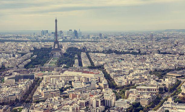 Matka Pariisiin kesti aiotun seitsemän tunnin sijasta 28 tuntia.