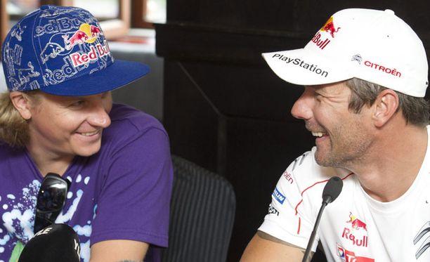 Kimi Räikkönen ja Sebastien Loeb Red Bullin näytösajoissa.