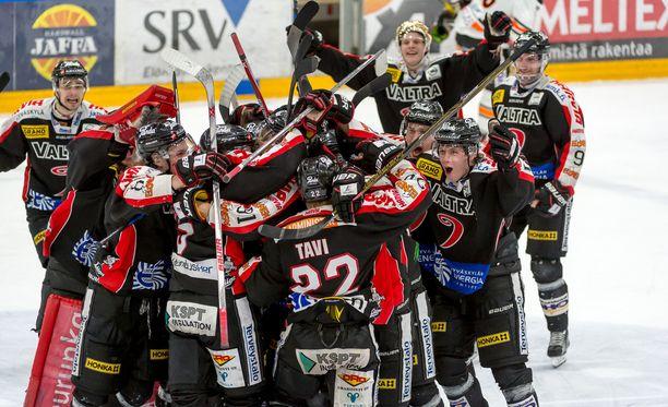 JYP juhli voittoa. Sarja on sille katkolla perjantaina Hämeenlinnassa.