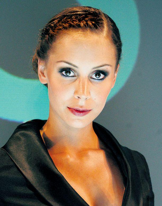 Jenni Dahlman-Räikkönen on yksi Bläk-klubin omistajista ja perustajista. Formulavaimon mukaan Bläk on ihan hänen oma juttunsa.