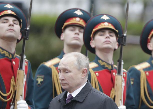 Toukokuussa Venäjä ilmoitti pitävänsä Yhdysvaltoja epäystävällisenä valtiona.