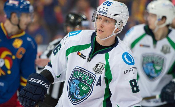 Veli-Matti Savinaisen KHL-kausi oli pelkkää turbulenssia.