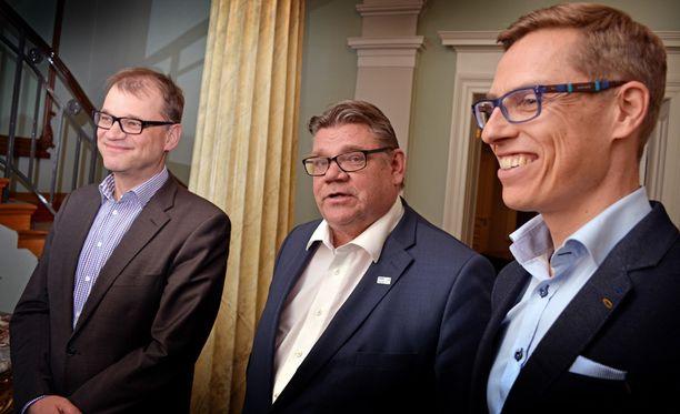 """""""Trio"""" myhäili Smolnassa lauantai-iltana."""