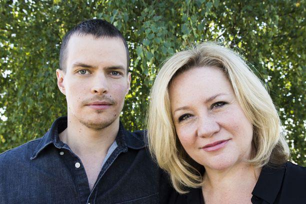Johannes Holopainen ja Maria Sid esiintyvät KRP:n poliisiparina uutuussarjassa Kaikki synnit.
